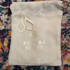 Kendra Scott Sophia earnings -Excellent Condition